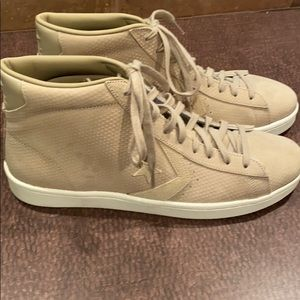 NWOT Converse leather high tops - khaki